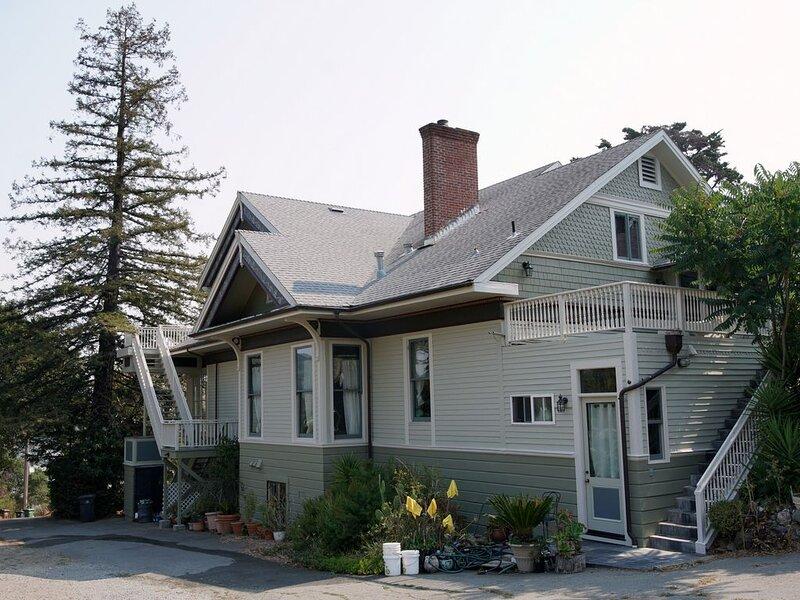 Marin Edwardian Mansion w/ San Francisco Bay Views, holiday rental in Fairfax