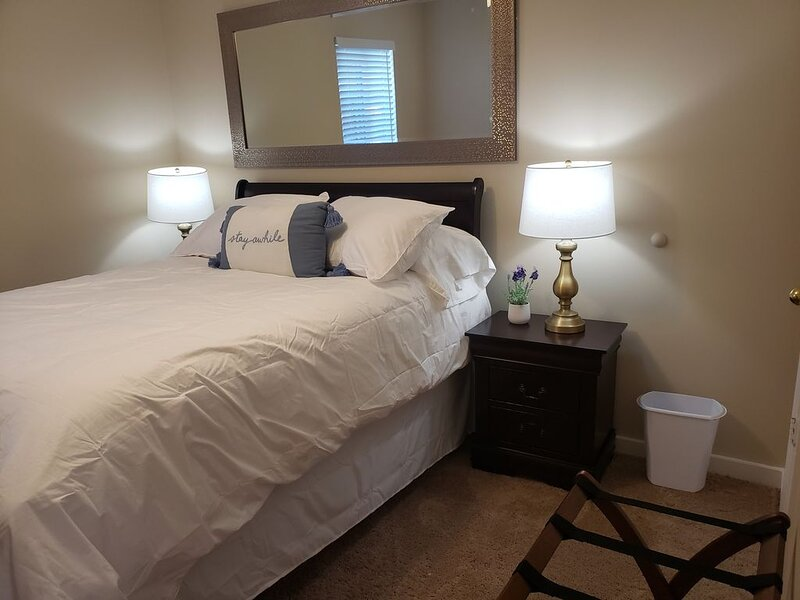 Cozy and Cute apartment near Camp Lejeune (109), alquiler de vacaciones en Jacksonville