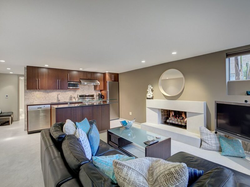 Indigo Seattle Unit C, holiday rental in Shoreline