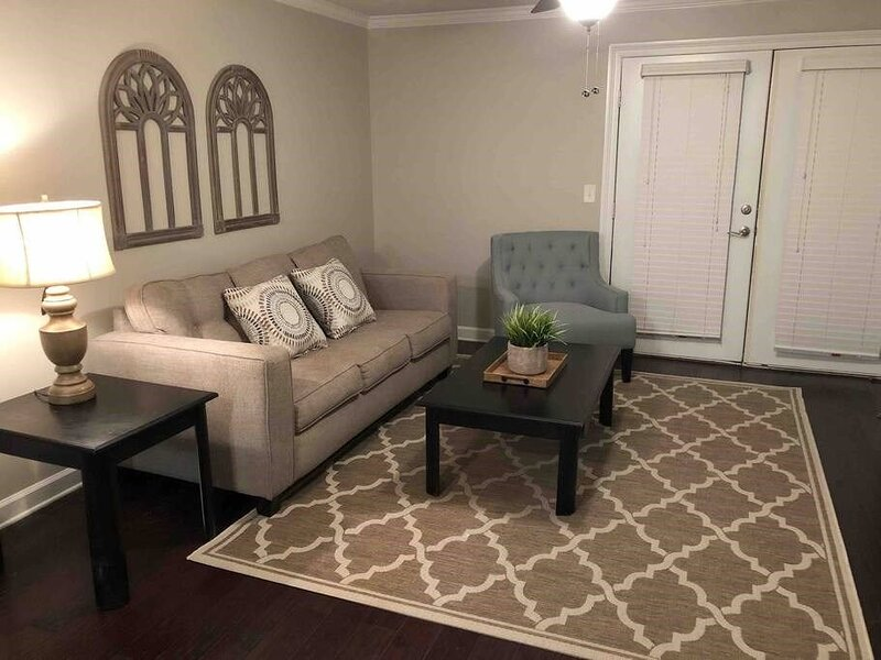 J6: Near Ole Miss Campus and Oxford Square! Safe Area!, holiday rental in University