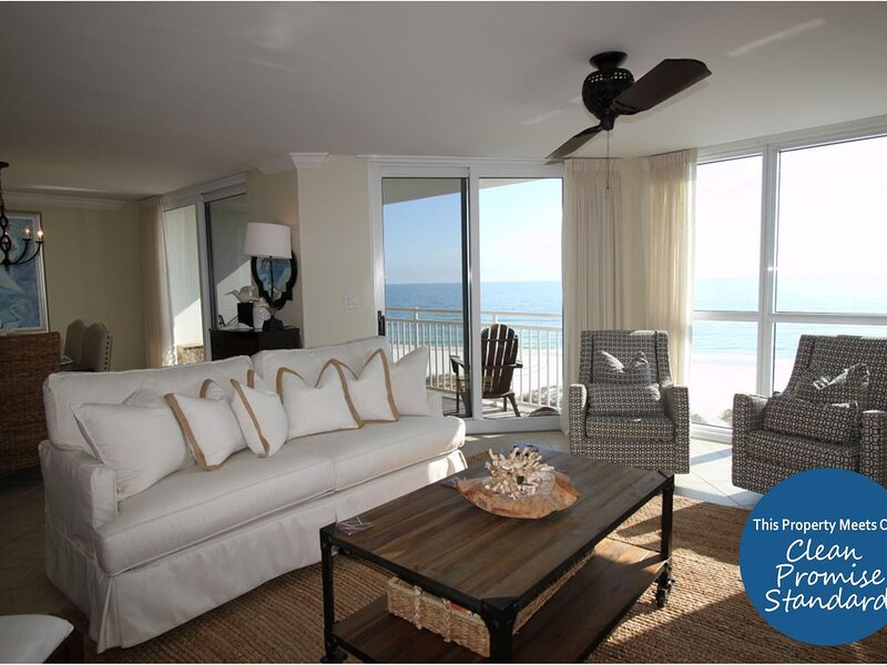 Gorgeous SeaSpray West Unit on Gulf- Beach Chic Decor, Sunset Views!, location de vacances à Perdido Key