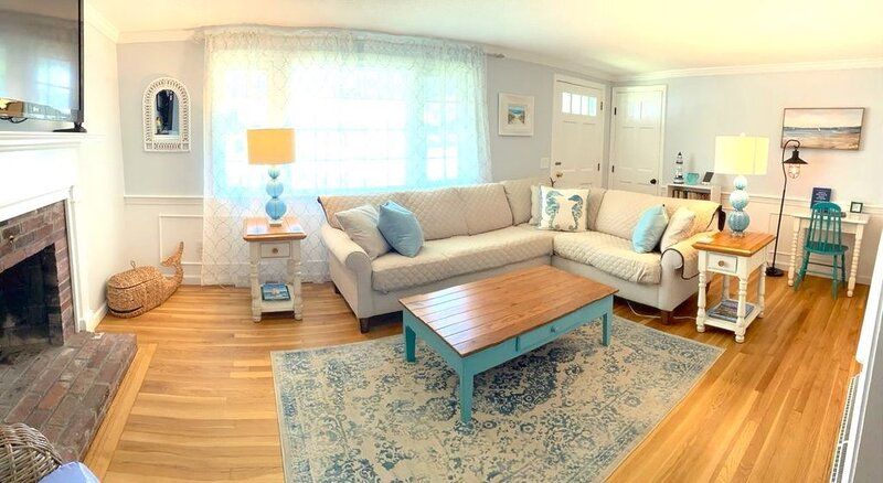 Walk to Beach - Renovated Cape Cod Ranch - 3 Bed w/ Game Room, Central AC & WiFi, holiday rental in Yarmouth