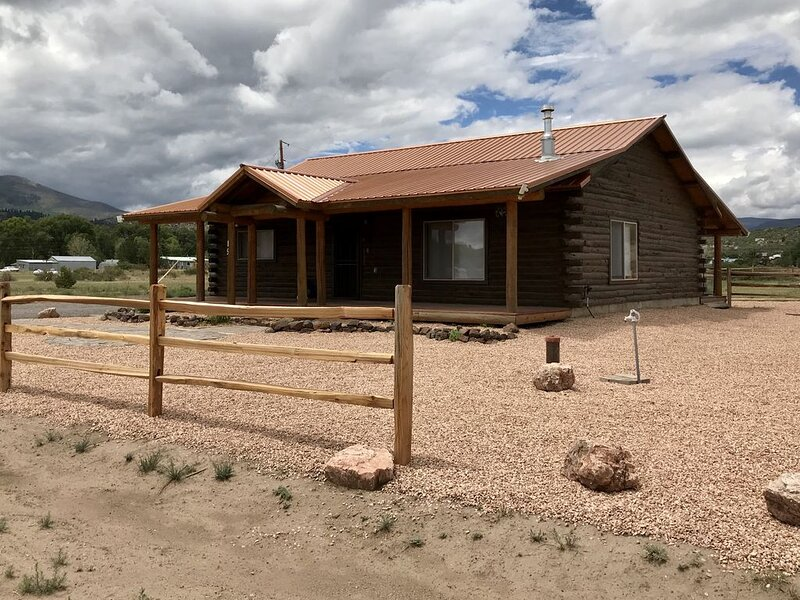Mountain cabin in South Fork, CO. Just minutes from the Rio Grande River, vacation rental in South Fork