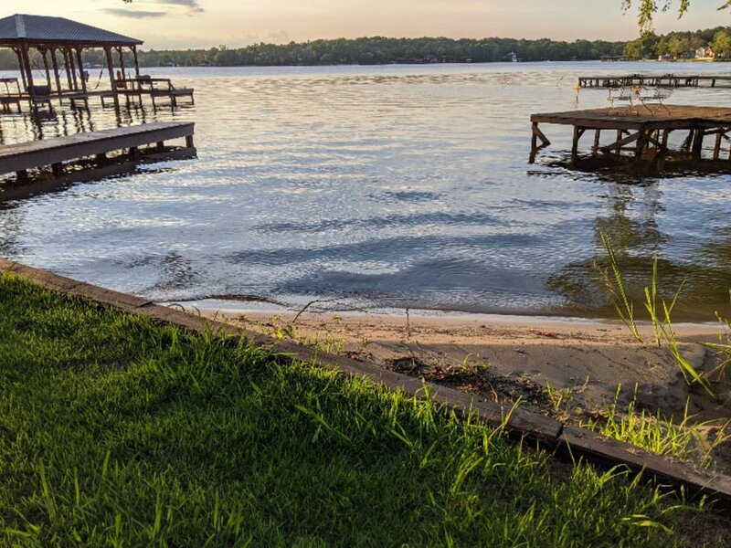 Lake Getaway in Murchison, holiday rental in Canton