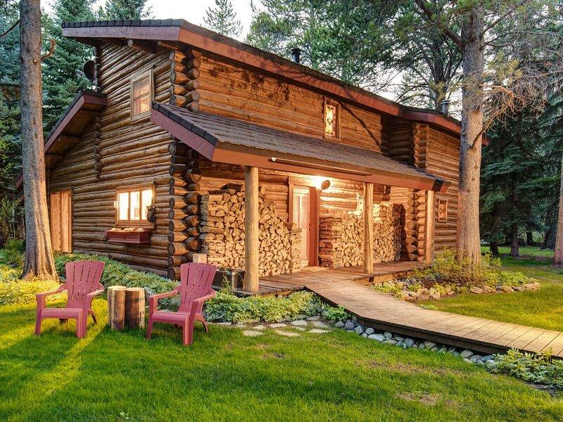 Abode | Secluded Fish Creek Mountain Retreat | Hot Tub | Close to Village & Nat., location de vacances à Wilson