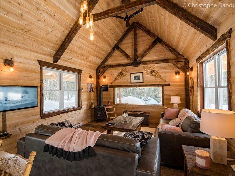 Chalet 6 pers. Petit lac, chevaux et Nature Parc Regional du Mont Grand Fonds., location de vacances à Kamouraska