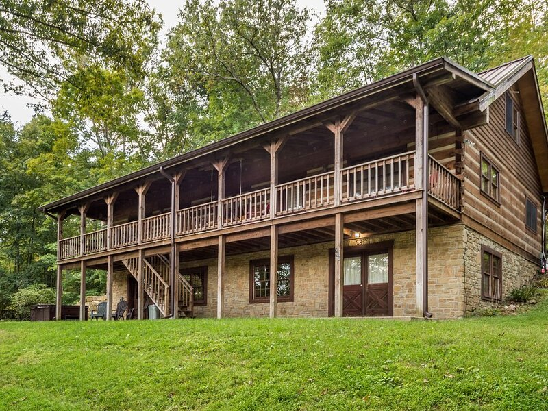 Oak Ridge Vacation Log Cabin, alquiler de vacaciones en Nashville