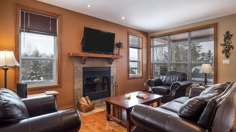 Mont-Tremblant - Aiglon | 1602, holiday rental in Lac-des-Plages