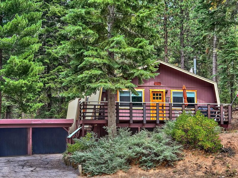 Hidatsa Cozy Secluded Mountain Retreat - 3BR, 2BA, Jacuzzi, casa vacanza a Markleeville