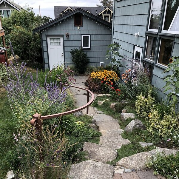 Secluded Backyard Cottage on Walkable Phinney Ridge – semesterbostad i Seattle