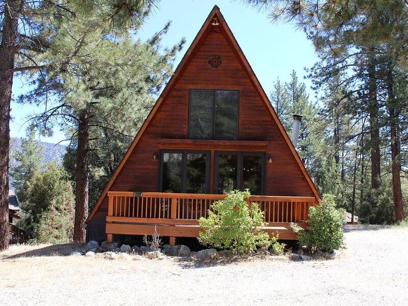 Cozy A-frame Cottage, vacation rental in Frazier Park