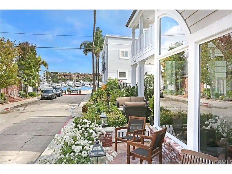 Beautiful Balboa Island Home - Steps To The Water!, alquiler de vacaciones en Balboa Island