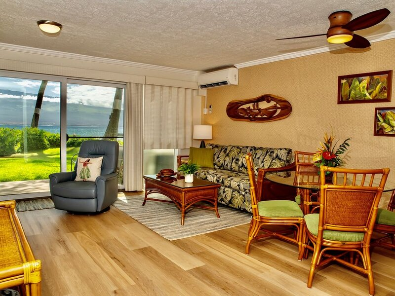 MAK-A6 - Maui Beachfront 1st floor Condo With Double Lanai—Epic View; 2BR/2BA, aluguéis de temporada em Kahului