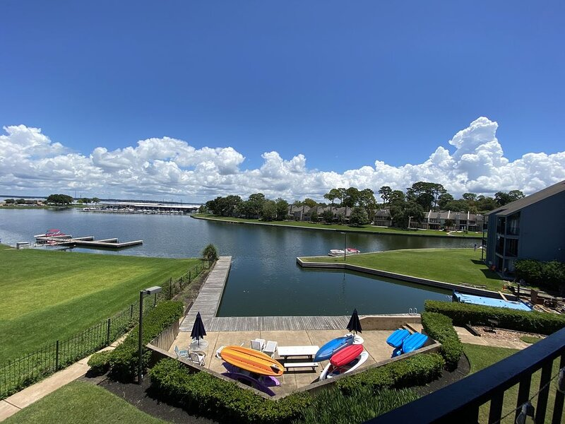 Condo - Sleeps 14 with a Place for Your Boat!, holiday rental in Plantersville