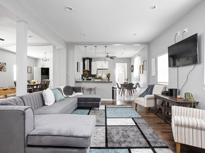 Brand New Chic in Indy with Game Room, holiday rental in Wanamaker