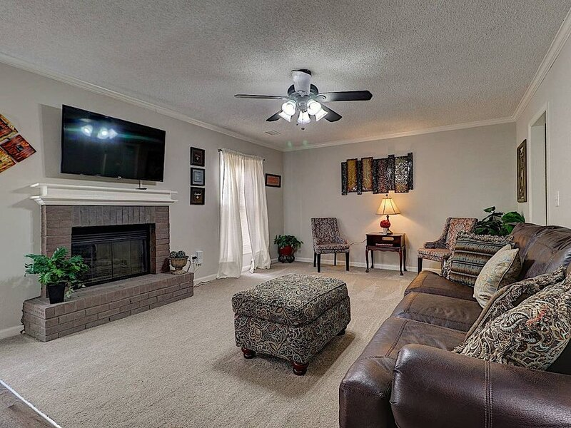 Dunwoody/Doraville/Atlanta Clean Spacious wcr ##, vacation rental in Norcross