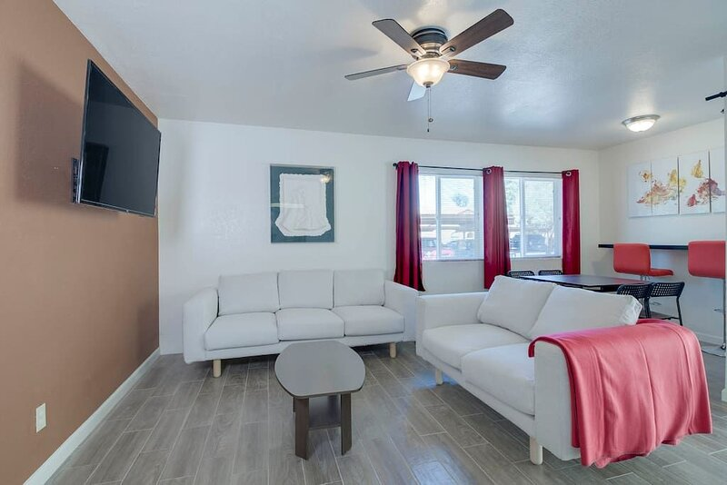 Living Room with flat screen TV, broadband wifi and streaming with Netflix Complimentary.