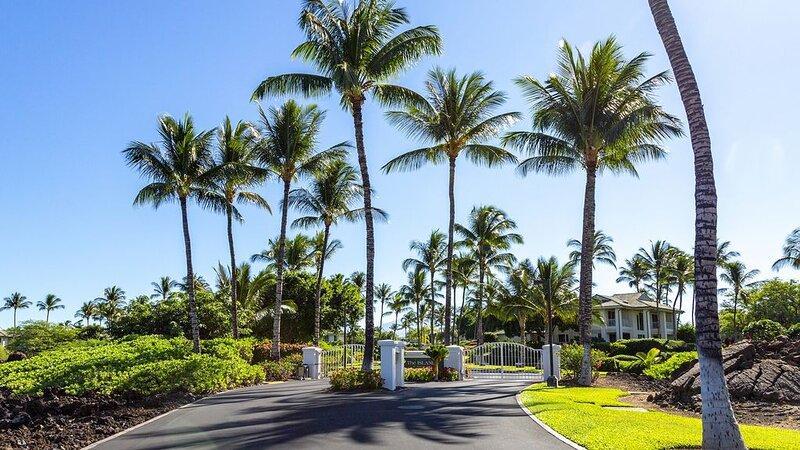 Islands at Mauna Lani Corner Private Unit Close to Pool Beautiful Views, holiday rental in Kohala Coast