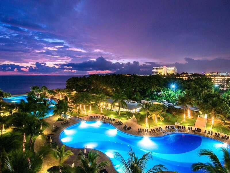 Breathtaking Villa Magna Beachfront Condo, 3 Bedrm Sleeps 6, location de vacances à Jarretaderas