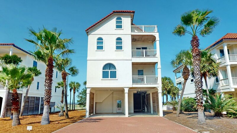 FREE BEACH GEAR! East End Beach View, Elevator, Fireplace, 5BR/5BA 'Goodnight Mo, alquiler vacacional en Carrabelle