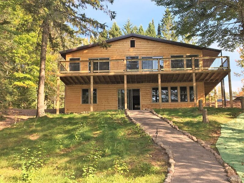 Beautiful Northwoods Cabin on Long Lake - The Baier's Den, vacation rental in Shell Lake