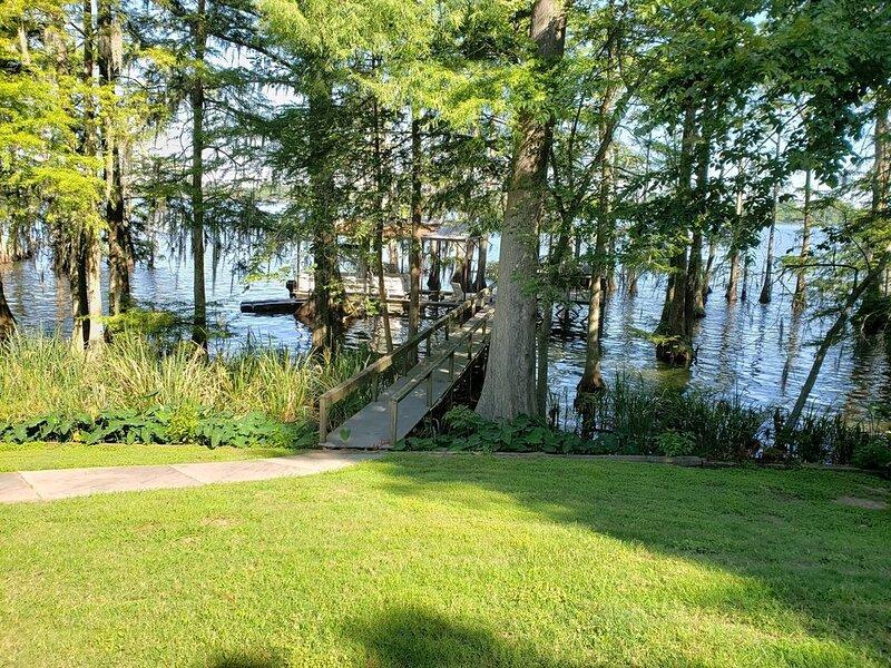 Darby's Lakehouse Retreat – semesterbostad i Natchez