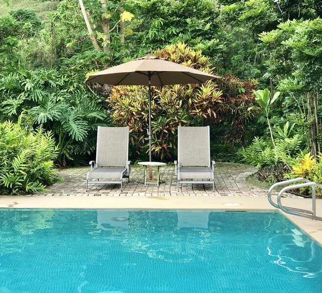Seabreeze Vacation Home - Quiet/Pool/Free Wi-Fi/Parking, holiday rental in Waimanalo