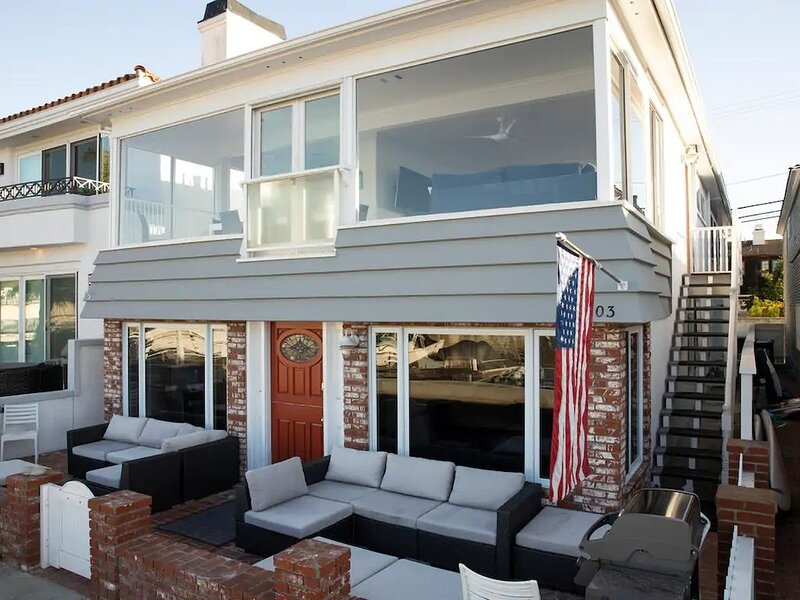 BALBOA ISLAND 7 BEDROOMS SLEEPS 18, location de vacances à Balboa Island