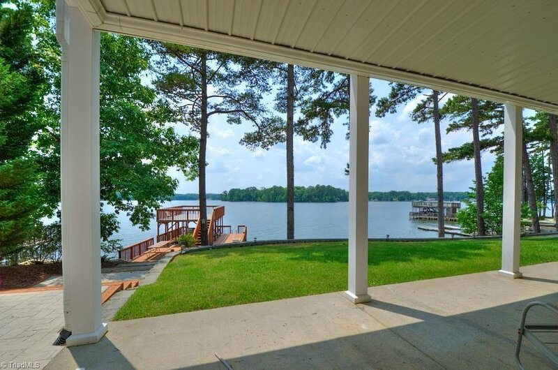 Lakefront Getaway For The Family!, vacation rental in Gold Hill