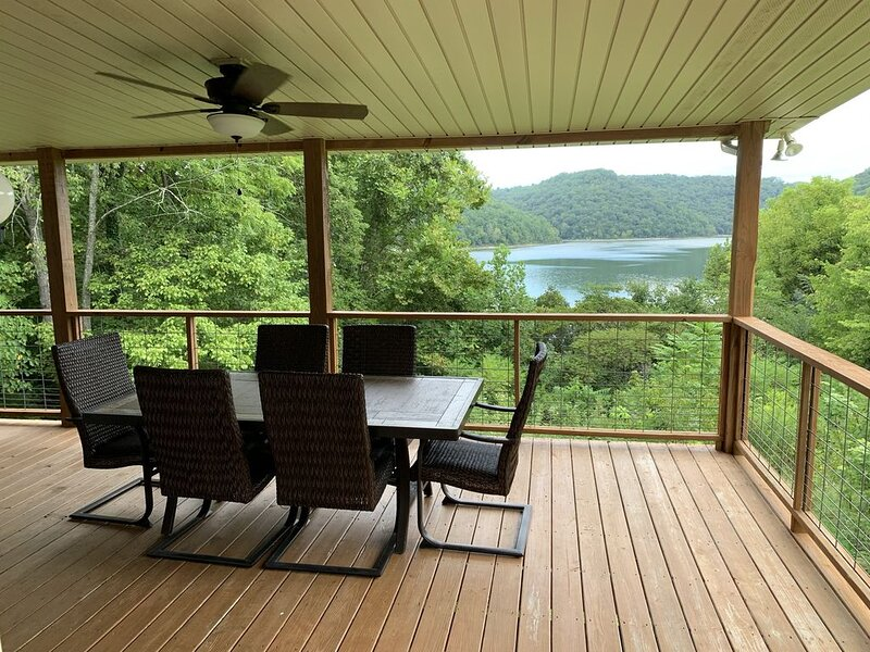 Lovely Lake Front Getaway, alquiler vacacional en Silver Point