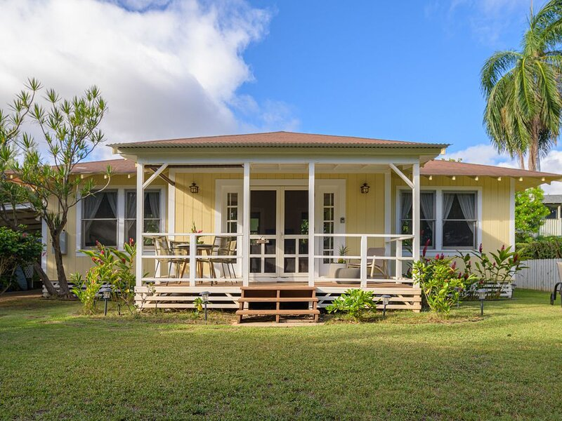 Hawaiian Charm..Just Steps From The Ocean..On Kauai's Sunny W Side * TVNC4216, holiday rental in Kauai