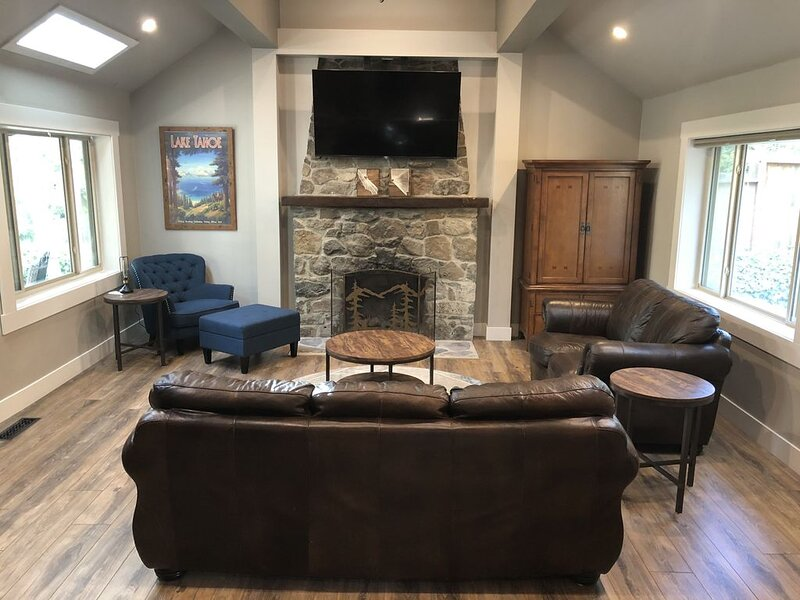 Top-rated Zephyr Cove Cabin near Skiing/Casinos – semesterbostad i Zephyr Cove