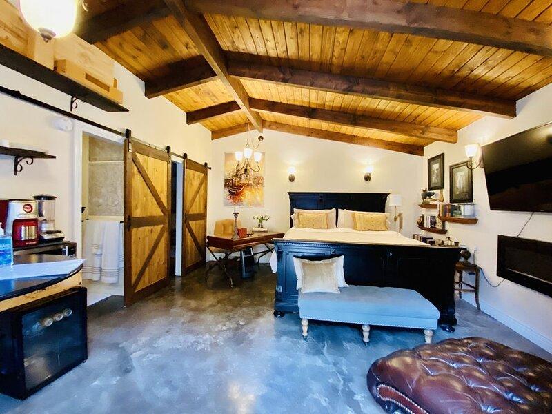Your own Petaluma Wine Country get away w/ pool/spa, alquiler vacacional en Novato