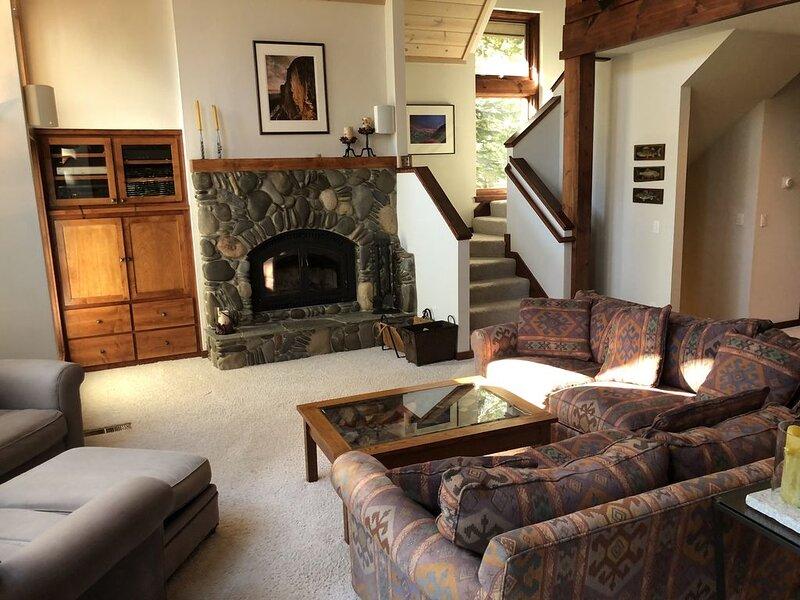 Modern Kirkwood East Meadows Home, holiday rental in Bear Valley