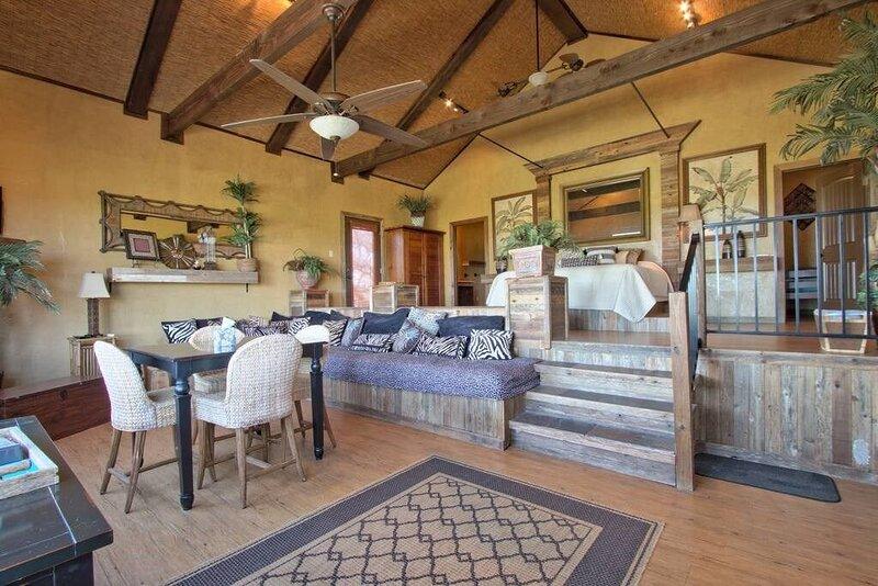 Pond House Bungalow at Bergheim Ranch, casa vacanza a Bulverde