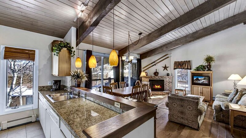 Click to Save 25% on 2BD, 2BA condo in Snowmass, location de vacances à Snowmass Village