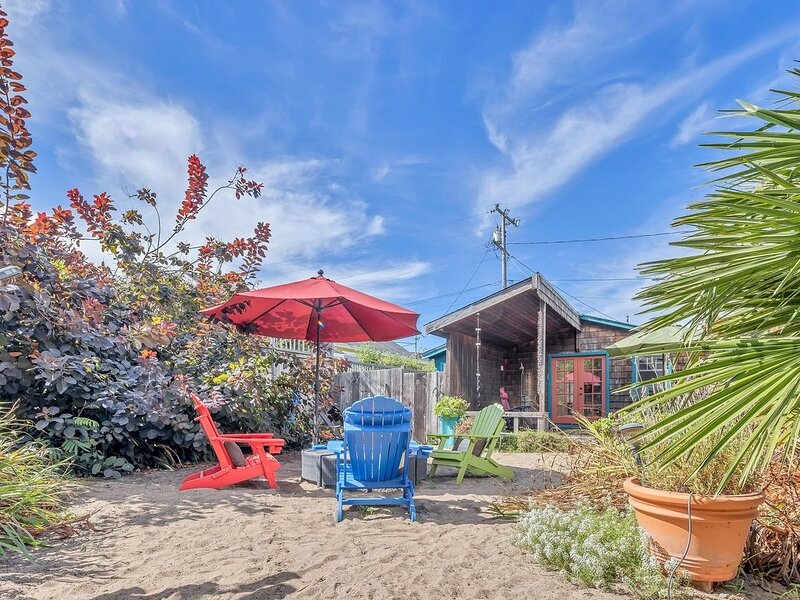Cute & Colourful Oceanside Cottage w Garden, alquiler de vacaciones en Bolinas