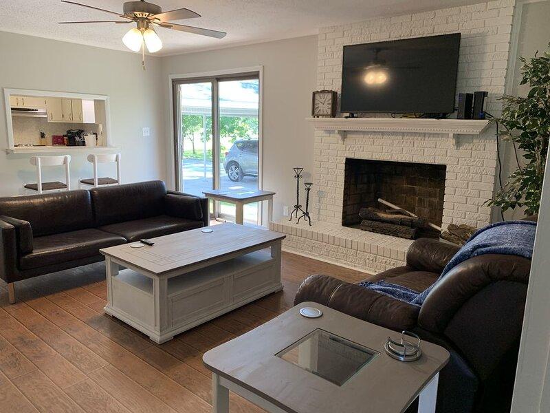 Jacksonville ranch house with perks!, alquiler de vacaciones en Jacksonville