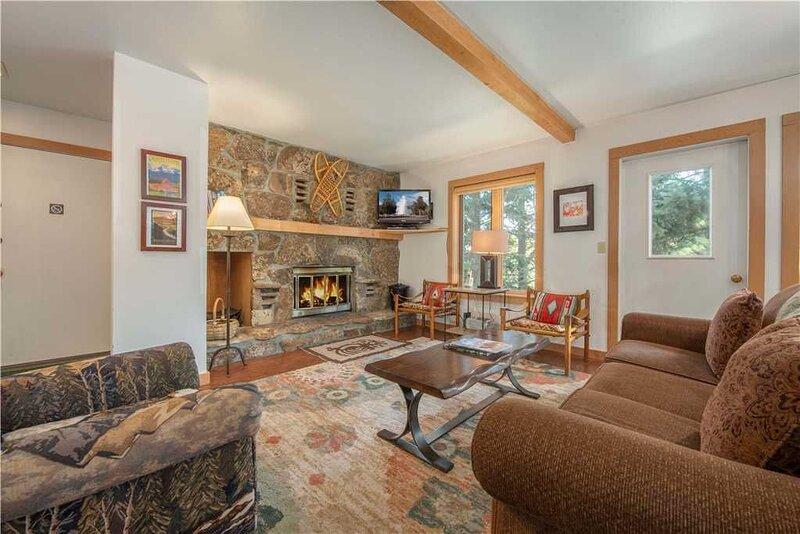 RMR: Nicely Updated 2 BR Condo in Teton Village, vacation rental in Teton Village