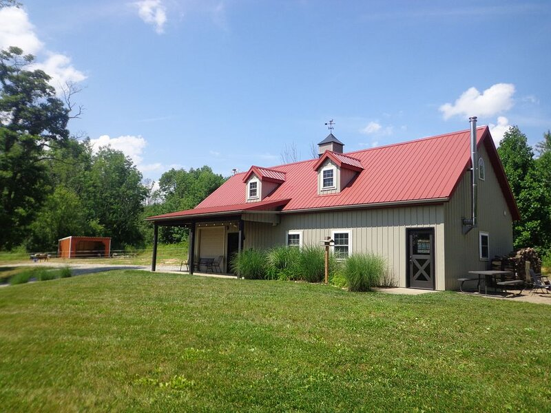 Family Friendly Barndominium in Amish Country (Sleeps 8), holiday rental in Millersburg