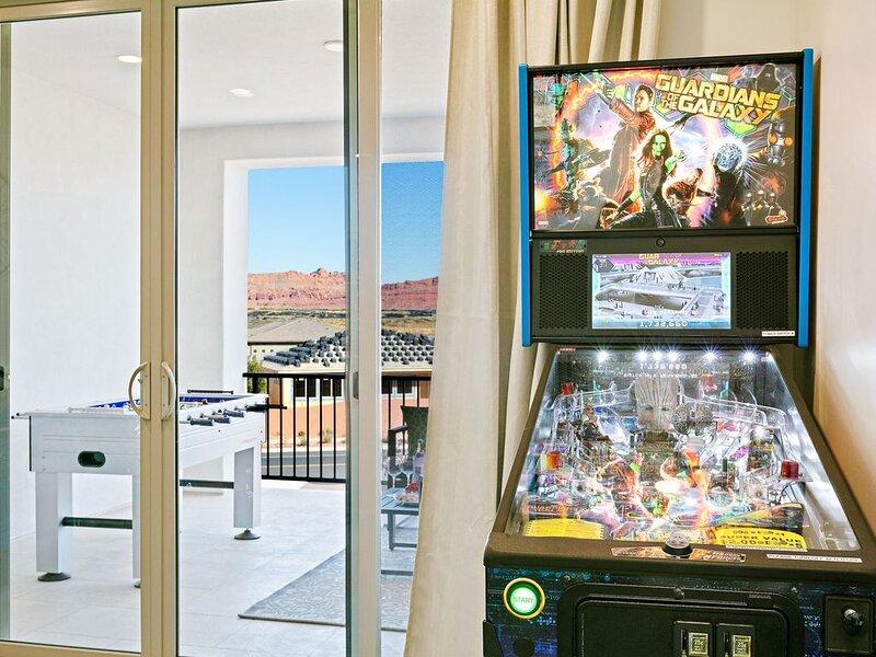 Arcadia 31 | Private Hot Tub * Arcade Gaming Room * Foosball * Ping Pong Table, casa vacanza a Santa Clara