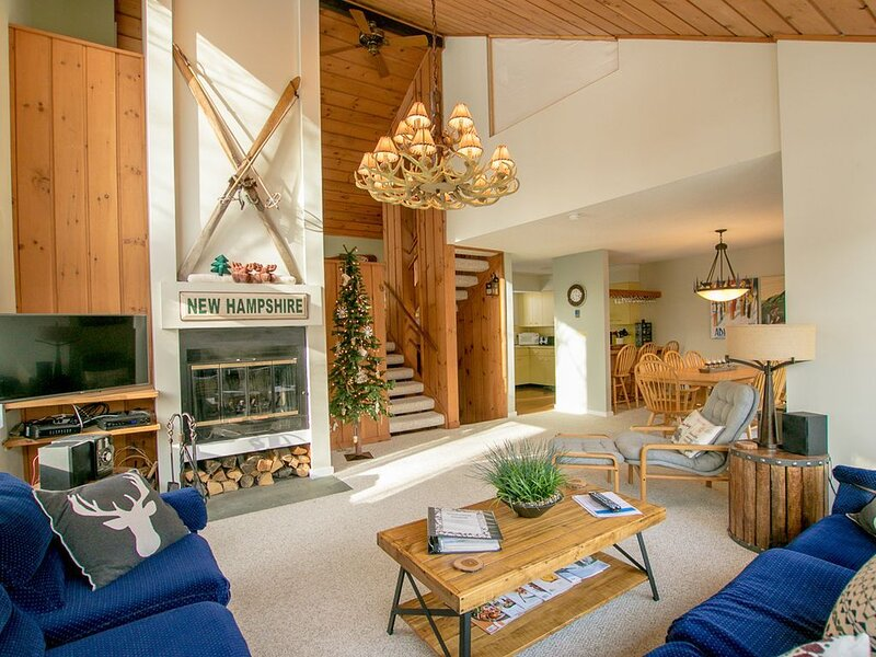 Beautifully Updated 3bd + Loft / 2ba with Mountain Views /  Sleeps 8, holiday rental in Lincoln