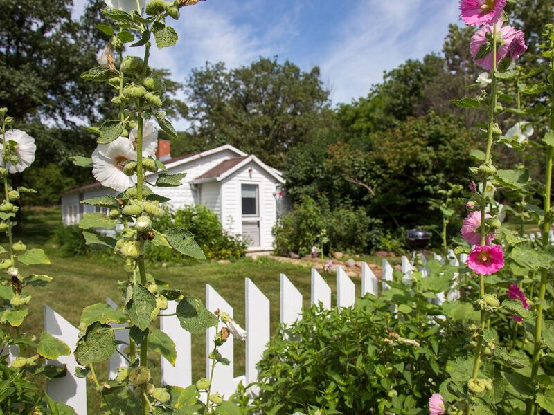Whiterock Conservancy - Hollyhock Cottage, aluguéis de temporada em Bayard