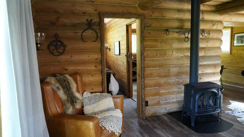 Cabin Escape - Kodiak Cabin, vacation rental in Kootenai