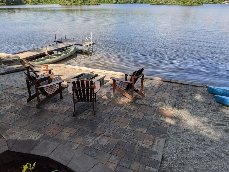 Cozy Waterfront Cottage On Beautiful Lake Todd, vacation rental in Washington