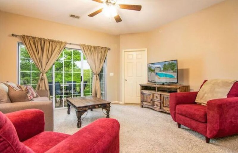 2BR * Branson Holiday Hills Resort | Pool/Hot Tub, vacation rental in Kissee Mills
