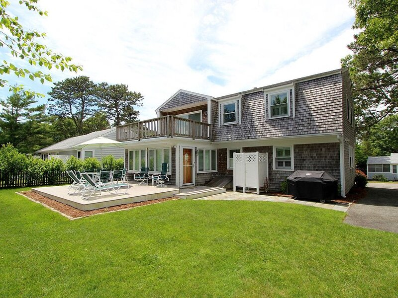 Beautiful Home - Short Walk to Private Beach / Central AC, vacation rental in Mashpee