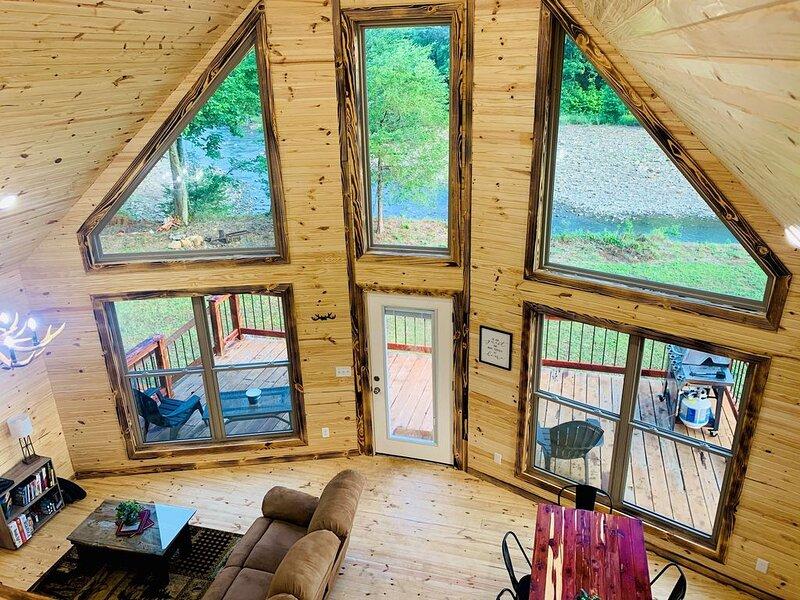 Whitetail Haven on the Mulberry River in Oark Arkansas, aluguéis de temporada em Coal Hill