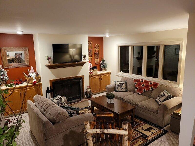 Adirondack Retreat (walking distance to all Lake Placid has to offer), alquiler de vacaciones en Lake Placid