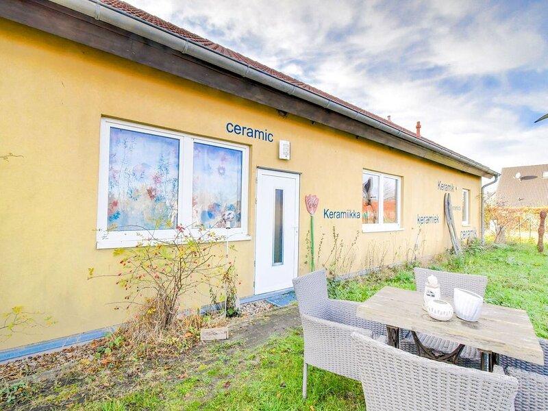 Nifty Apartment in Rövershagen near the Sea, holiday rental in Roggentin